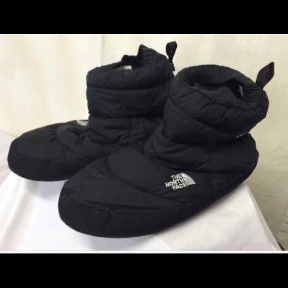 The North Face 700 Fill Down Slippers tent booties & 78% off North Face Shoes - The North Face 700 Fill Down Slippers ...